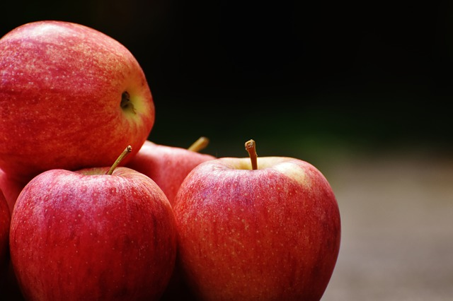 apple-1727312_640