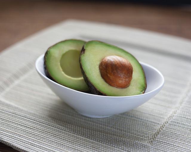 avocado-1712584_640