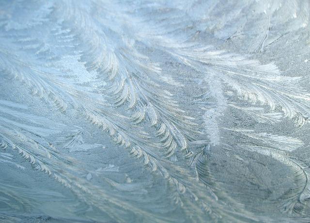 frozen-1131298_640